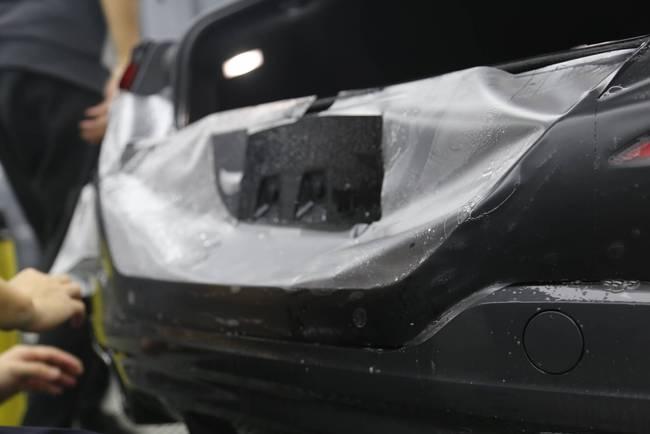 包头汽车贴膜施工流程(车主必学)